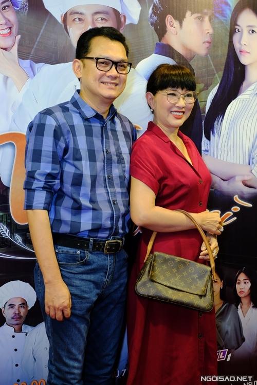 NSƯT Hữu Châu và nghệ sĩ Phương Dung đóng vai vợ chồng.