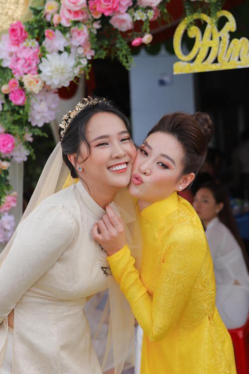 Phan Phương tiết lộ cô và chồng sắp cưới vẫn đang trong quá trình chọn ngày tổ chức tiệc sao cho phù hợp với tình hình dịch bệnh hiện tại.