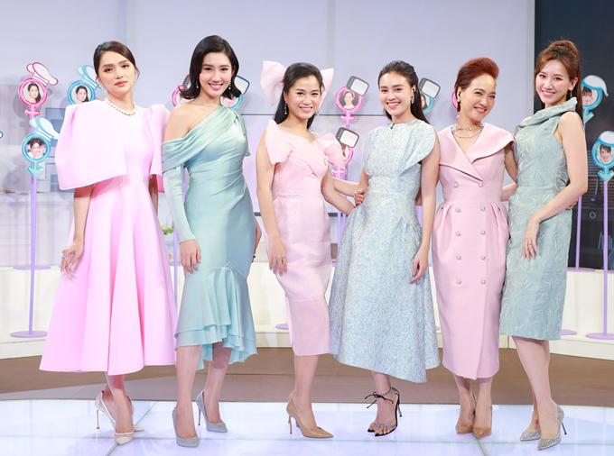 Nghệ sĩ Lê Khanh thừa nhận chị thay đổi nhiều khi tham gia chương trình này và học hỏi được những điều mới mẻ từ các đàn em. Show Chị em chúng mình phát sóng vào 20h30 thứ tư ngày 16/9 trên kênh VTV3.