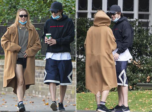 Tại Anh, những người nhiễm Covid-19 được yêu cầu phải cách ly ít nhất 10 ngày. Pattinson đã qua khoảng thời gian đó và dường như sức khỏe không bị ảnh hưởng nhiều.