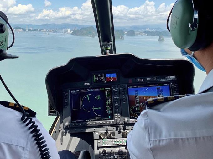Ngọc Trinh bay trực thăng, thuê du thuyền trên vịnh Hạ Long - 2