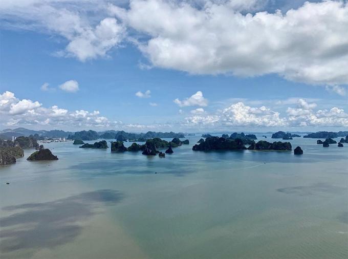 Ngọc Trinh bay trực thăng, thuê du thuyền trên vịnh Hạ Long - 8