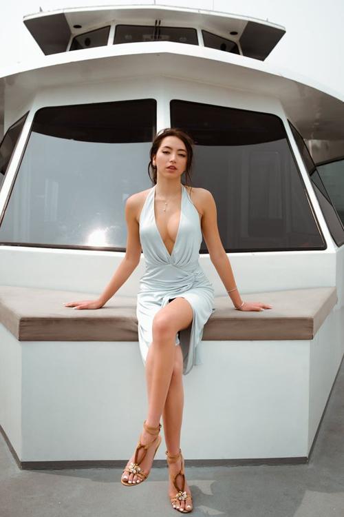 Ngày 16/9, con gái danh ca Thanh Hà - Isabella Quỳnh Tiên Hồ (tên thường gọi: Bella) chính thức đón tuổi 21. Sinh nhật Bella được tổ chức trên du thuyền và tại gia ở California, Mỹ với sự góp mặt của bố mẹ và hai bên nội ngoại.