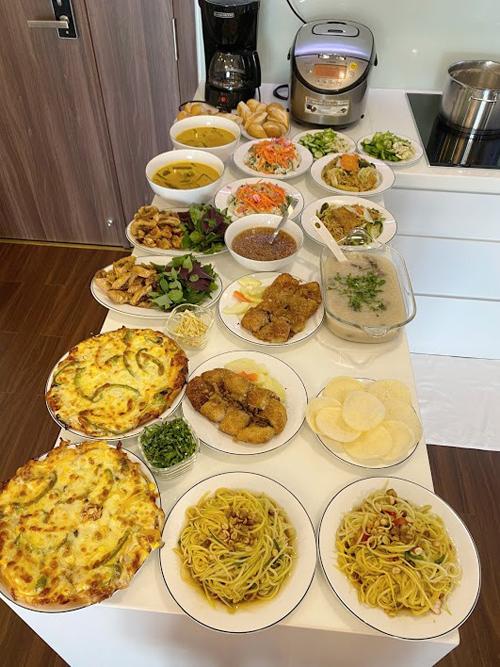 Các bữa ăn ấm áp đối với Sâm Tuyền là khi có mặt đủ thành viên gia đình, diễn ra trong không khí vui tươi, có tiếng chuyện trò.