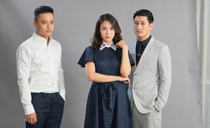 Hồng Diễm đóng cặp với Hồng Đăng và Ngọc Quỳnh trong phim Hoa hồng trên ngực trái.