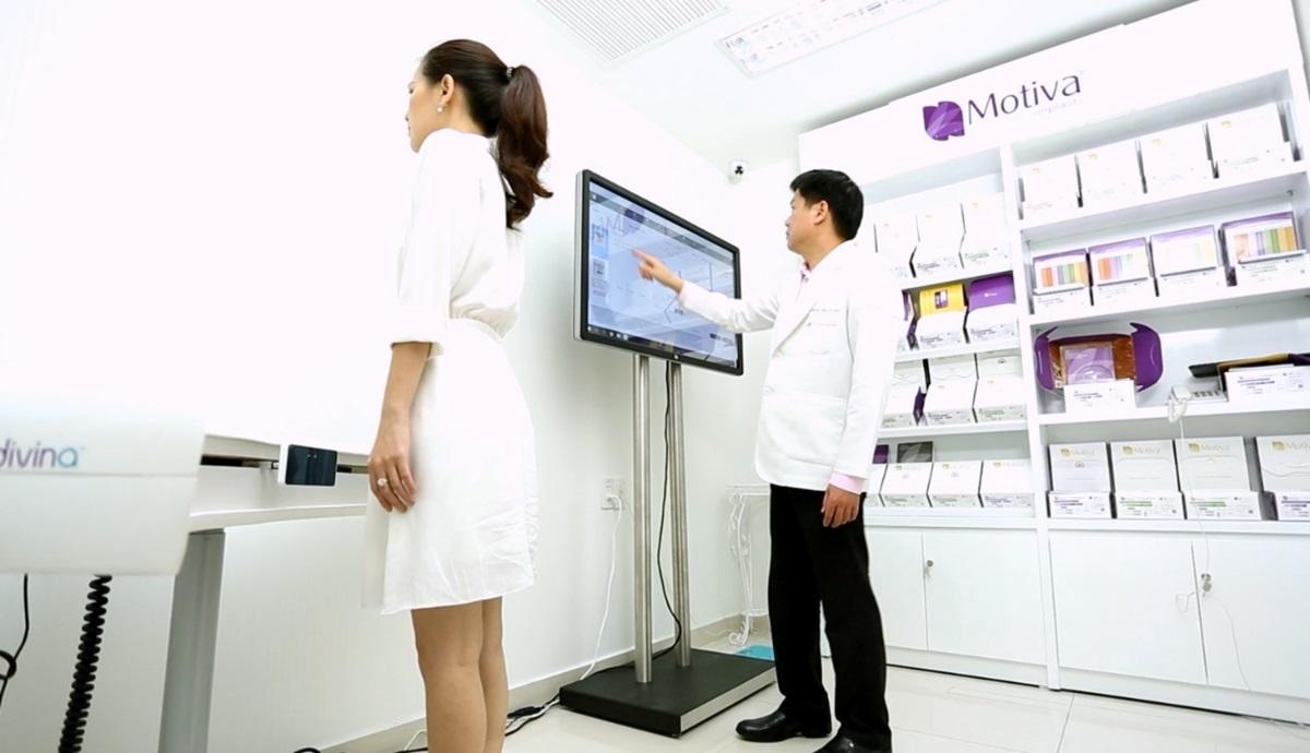 Máy Motiva Divina 3D - công nghệ mô phỏng 3D trong phẫu thuật.