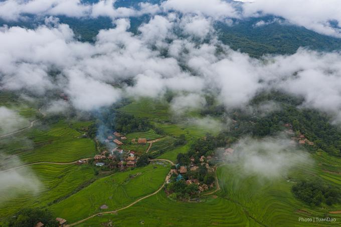 Pù Luông là một khu bảo tồn thiên nhiên thuộc tỉnh Thanh Hoá. Nơi đây được bao bọc bởi những ngọn núi trùng điệp, nơi có những thửa ruộng bậc thang trải dài trên các ngọn núi tựa như một viên ngọc xinh đẹp giữa núi rừng bao la. Trong một vài năm trở lại đây, Pù Luông là một trong những điểm đến thu hút khách du lịch, nhưng người yêu thích thiên nhiên, tránh xa khỏi nơi ồn ào, náo nhiệt của thành phố.