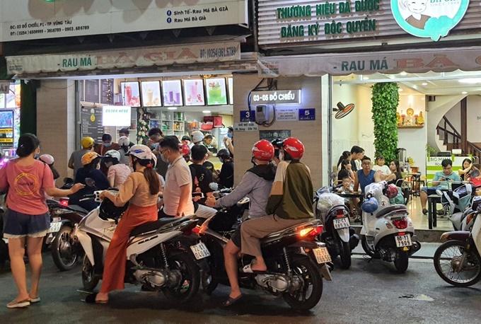 Tiệm rau má 32 năm ngày bán nghìn ly ở Vũng Tàu