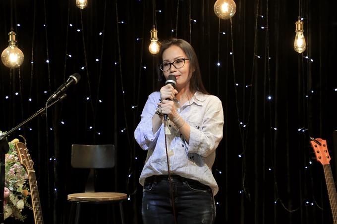 Đang không khỏe, ca sĩ Cẩm Ly xin phép không hát, mà chỉ chia sẻ những kỷ niệm vui về Minh Thuận.