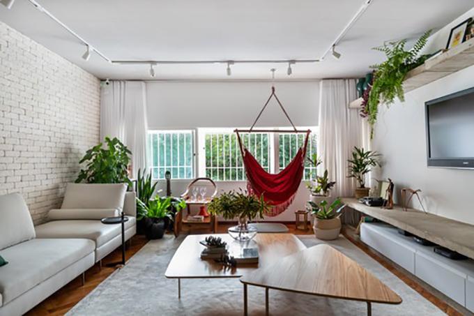 Do gia chủ thường đón bạn tới chơi nhà nên phòng khách cần có không gian rộng rãi.
