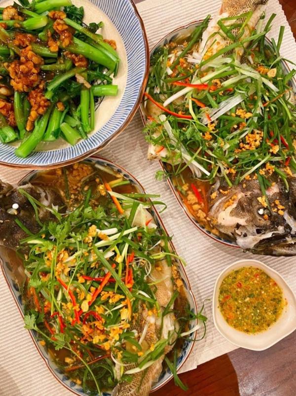 Cá mú hấp tàu xì của Tăng Thanh Hà.