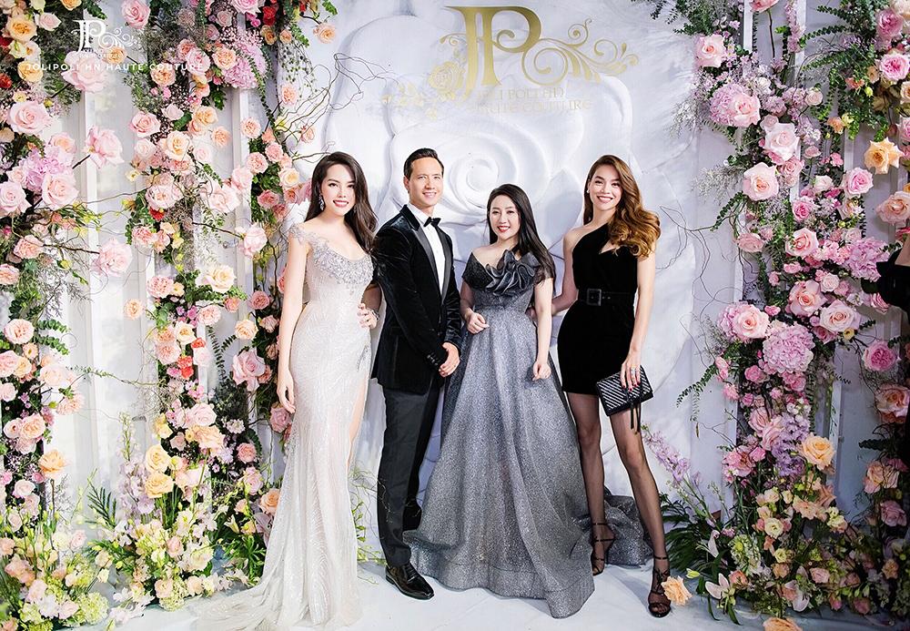 Buổi khai trương JoliPoli HN tại Hà Nội năm 2019 với sự tham gia của ca sĩ Hồ Ngọc Hà, diễn viên Kim Lý.