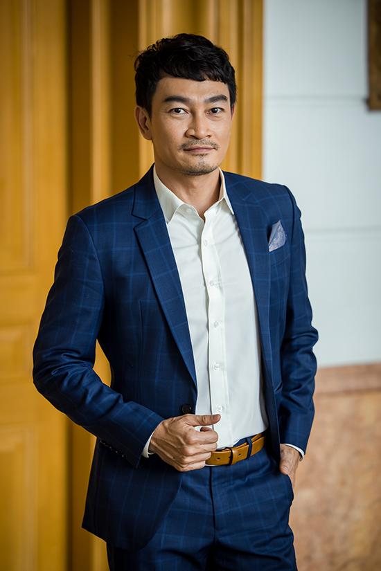 Diễn viên Quốc Thái tại họp báo ra mắt phim Lửa ấm chiều 21/9 tại Hà Nội.