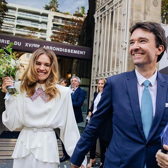 Natalia Vodianova hạnh phúc trong ngày kết hôn với Antoine Arnault sau 9 năm gắn bó.