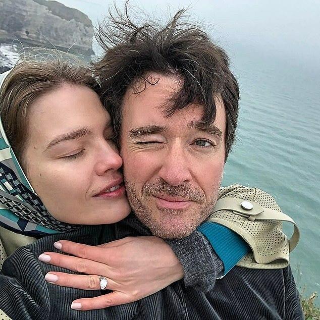 Natalia khoe ảnh đính hôn hồi đầu tháng 1.