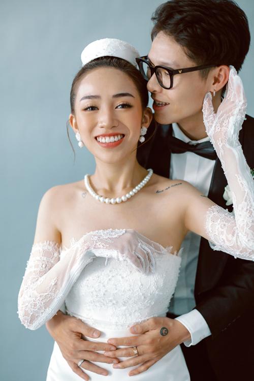 Hiện tại, vợ chồng Joyce Phạm đang tận hưởng cuộc sống hôn nhân bên trái ngọt tình yêu đầu tiên là bé Tít.
