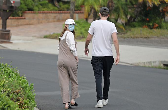 Cặp đôi giữ mối quan hệ một cách riêng tư trong suốt 3 năm bên nhau.