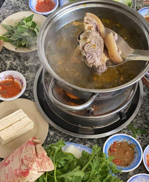 Yến Trang, Yến Nhi nửa ngày thử hết 5 đặc sản Đà Lạt - 8