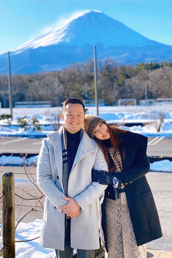 Cả hai từng đi chơi ở nhiều nơi từ trong nước đến quốc tế. Gần nhất là chuyến đi Nhật Bản dịp Tết 2020 nhân dịp trùng sunh nhật của Diễm My.