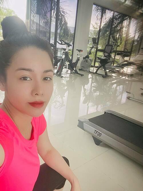 Hậu lùm xùm sinh nhật con trai, ca sĩ Nhật Kim Anh nhắn nhủ bản thân: Cho qua hết muộn phiền. Vướng bận làm gì những điều đã qua.