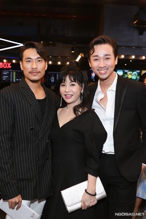 Diễn viên hài Hải Triều (phải) góp mặt một vai phụ trong phim.
