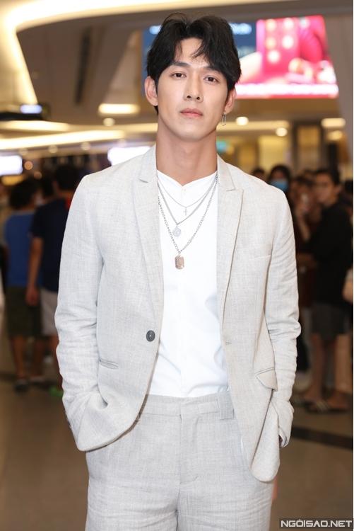 Diễn viên - ca sĩ Song Luân.