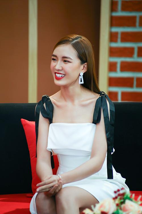 Tú Tri chia sẻ về cuộc sống sau khi kết hôn khi tham gia chương trình Chuyện Của Sao được phát sóng vào 20h10 thứ bảy ngày 26/9/2020 trên VTV9.