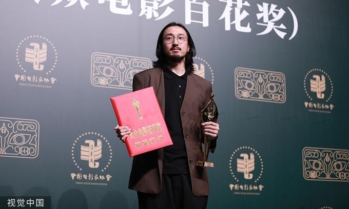 Vương Truyền Quân giành giải Nam diễn viên phụ xuất sắc với phim Tôi không phải dược thần.
