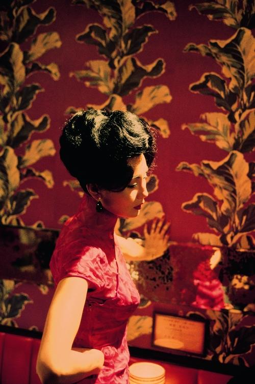 Xường xám Trương Mạn Ngọc mặc trong phim do nghệ nhân Lương Lãng Quang (nay 86 tuổi) cắt may. Quá trình này kéo dài hơn một năm, tốn chi phí hơn 300.000 HKD (khoảng 39.000 USD). Nghệ nhân Lương cũng trực tiếp tham gia quá trình quay phim, hỗ trợ Trương Mạn Ngọc thử đồ.