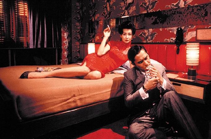In The Mood For Love là một trong các tác phẩm tiêu biểu và kinh điển của điện ảnh Hong Kong. Phim được đánh giá cao về tính thẩm mỹ trong hình ảnh, cách kể chuyện. Tại LHP Cannes năm 2000, Lương Triều Vỹ thắng giải Nam diễn viên chính xuất sắc. Tại giải thưởng điện ảnh Kim Tượng Hong Kong một năm sau đó, bộ phim được vinh danh với năm tượng vàng: Nữ diễn viên chính xuất sắc (Trương Mạn Ngọc), Nam diên