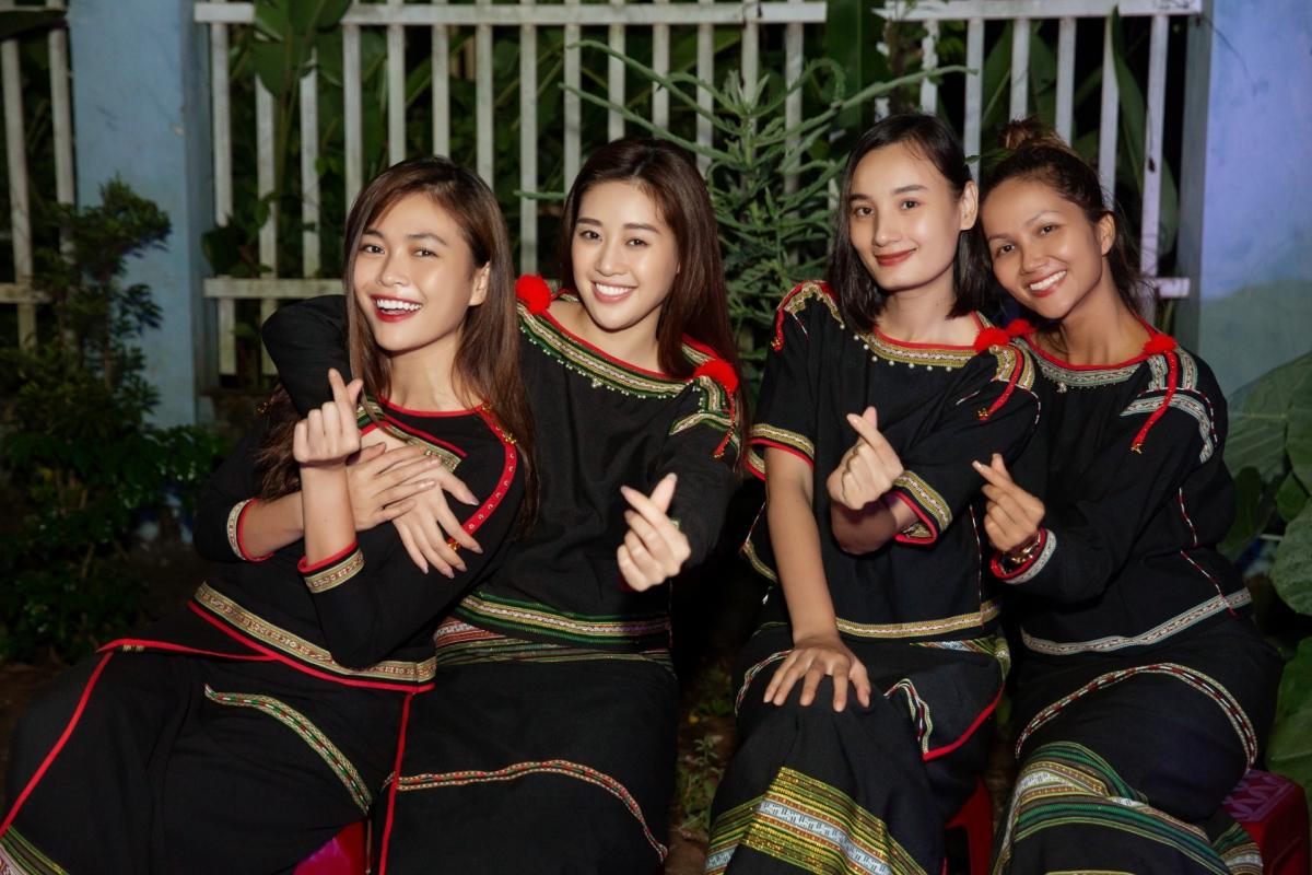 HHen Niê, Khánh Vân tổ chức trung thu ở Đắk Lắk