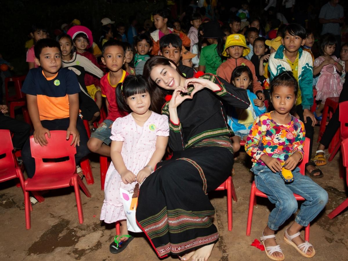 HHen Niê, Khánh Vân tổ chức trung thu ở Đắk Lắk - 6