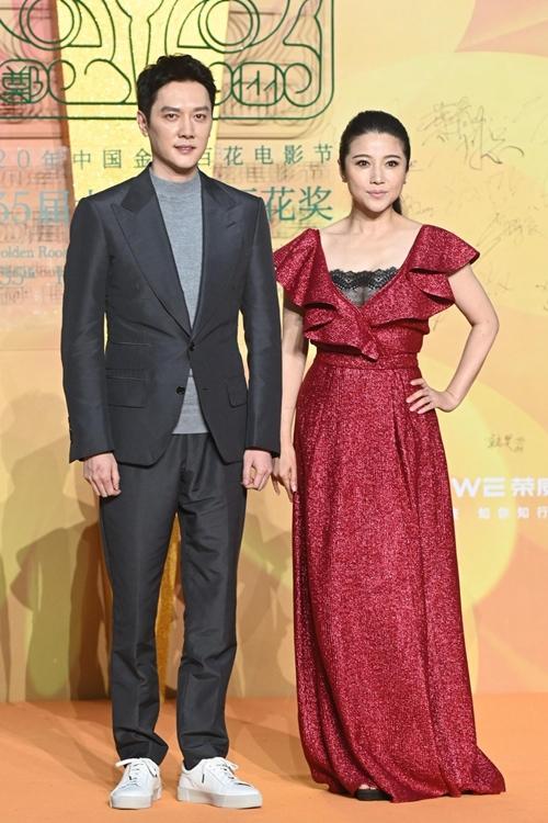 Bộ đôi diễn viên Phùng Thiệu Phong - Nhan Bính Yến.