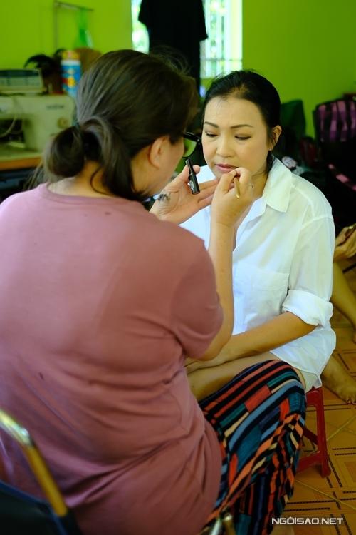 Ca sĩ Phương Thanh đã lâu mới đóng phim. Cô vào vai bà vú của Phương Trinh Jolie.
