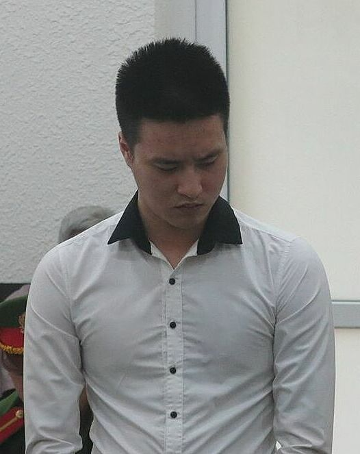 Bị cáo Nguyễn Hữu Thực tại phiên toà sáng 28/9. Ảnh: Tuấn Tú