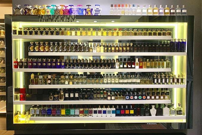 Với Trấn Thành, niềm đam mê bất tận của anh là nước hoa. Anh có tổng cộng 214 chai nước hoa từ các thương hiệu phổ thông, đến cao cấp và thủ công.