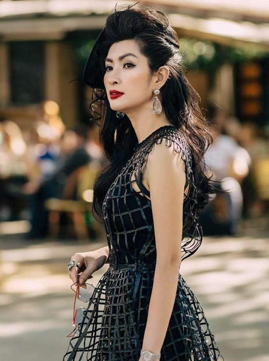 Nguyễn Hồng Nhung tự thấy mình không may mắn về tình duyên dù cô luôn cố gắng chân thành, hết mình khi yêu.