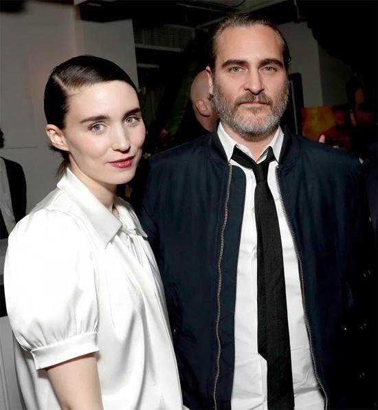 Rooney Mara và Joaquin Phoenix. Ảnh: Shutterstock.