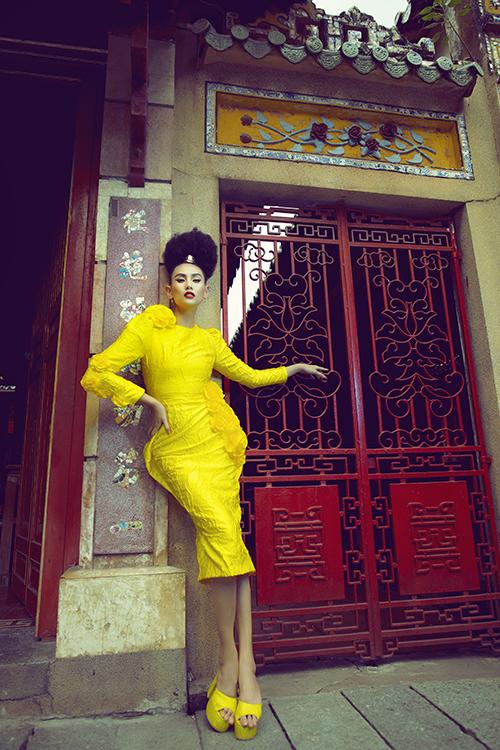 Sở hữu chiều cao lý tưởng, khuôn mặt góc cạnh cùng phần pose dáng chuyên nghiệp luôn giúp Võ Hoàng Yến cuốn hút trong từng shoot hình.