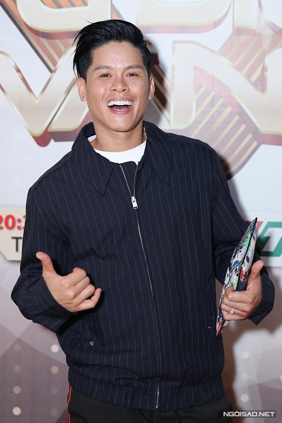 Giám khảo John Huy Trần đánh giá cao nỗ lực của các thí sinh không chuyên.