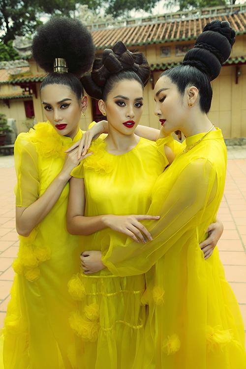 Bộ ảnh được thực hiện với sự hỗ trợ của artd Thanh Trúc Trương nhiếp ảnh Tang Tang, trang điểm và làm tóc Quân Nguyễn - Pu Lê - Dương Hữu Nghĩa, video GeeKing Productions.