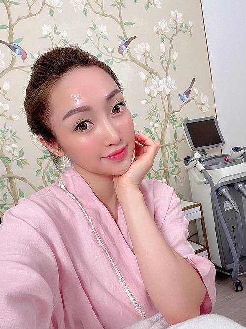 Lý Thùy Chang - bạn gái diễn viên Chi Bảo - khoe da căng mướt sau khi được chăm sóc.