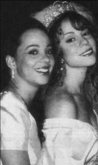 Mariah Carey (phải) thời trẻ bên chị gái.