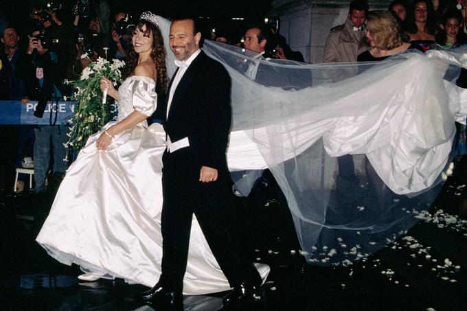 Mariah và Tommy Mottola trong đám cưới xa hoa.