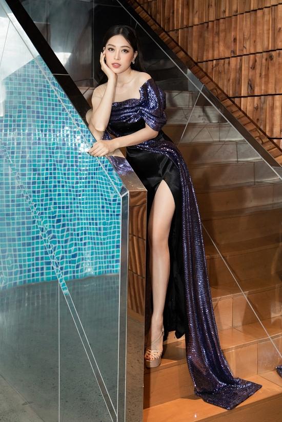 Á hậu Phương Nga chăm chỉ chạy show sau khi hoàn thành việc học tại Đại học Kinh tế Quốc dân Hà Nội.