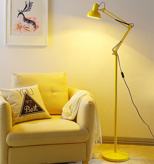 Đồ dùng gia đình, trang trí nhà cửa giảm giá từ 30%: Đèn đứng Monsky Kenna giảm hơn 40%, giá chỉ còn 395.000 đồng và tặng kèm bóng led thay thế. Đèn đứng là vật dụng vừa có công dụng chiếu sáng hiệu quả, vừa dùng để trang trí giúp căn phòng thêm tươi sáng và ấm áp. Mẫu đèn này được ưa chuộng nhờ các thiết kế hiện đại, tinh tế và phù hợp với đa số phong cách kiến trúc và thói quen sinh hoạt của mọi gia đình.
