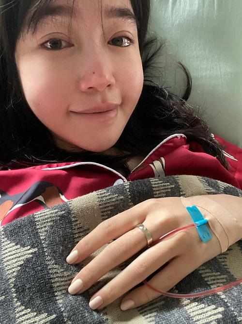 Hình ảnh mệt mỏi của Elly Trần.