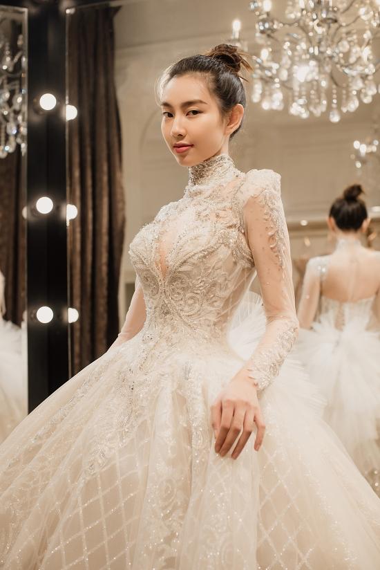 Thùy Tiên - top 5 Hoa hậu Việt Nam 2018 -
