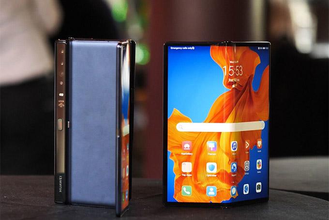 Điện thoại màn hình gập Huawei Mate Xs. Ảnh: Android Central.