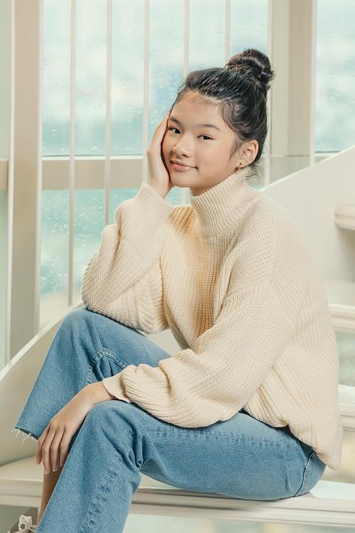 Bé Devon - con gái Trương Ngọc Ánh và chồng cũ Bảo Sơn - sở hữu chiều cao vượt trội, ra dáng thiếu nữ.